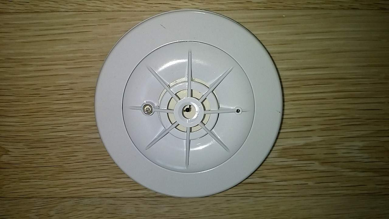 smoke detector service and installation